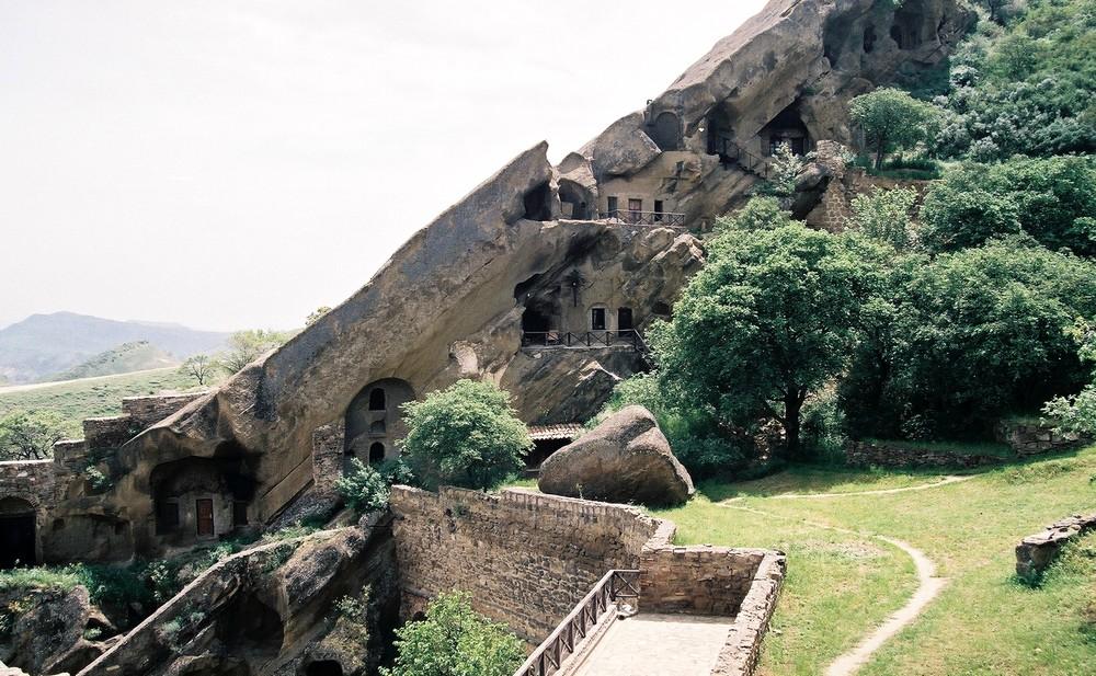 Het grottenkloostercomplex David Gareja in het zuidoosten