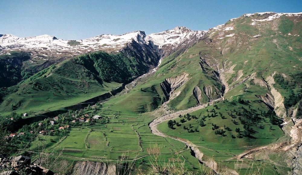 Kazbegi gebergte in het noorden