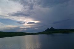 Hoge verlaten bergmeren in het zuidwesten